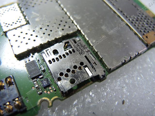 Смартфон Nokia 5800 – застряла карта microSD